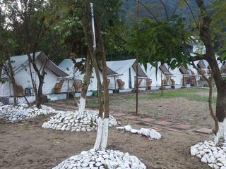 Well Maintained Deluxe Tent in Garhwal