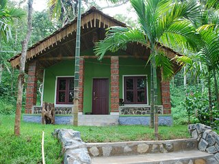Amazing 4 Bedroom Homestay In Mudigere