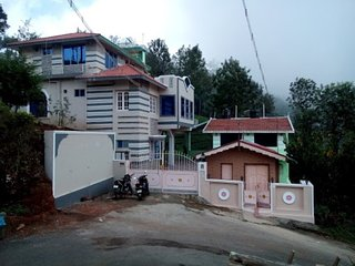 Colourful Cottage In Coonoor