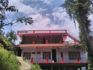 Adorable Homestay In Manali