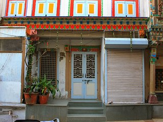 Comfortable Homestay In Ahmedabad