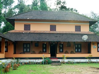 Super Classy 6 Bedroom Homestay In Wayanad
