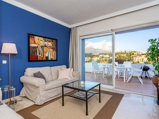 2 bedroom Apartment with Pool, Air Con and WiFi - 5760638