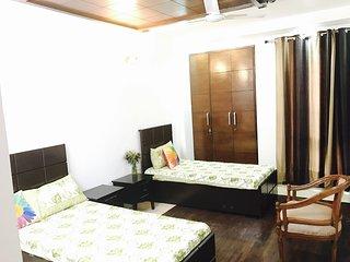 4 Bedroom Homestay In Delhi