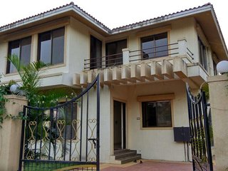 Tidy Villa With Pool In Lonavala