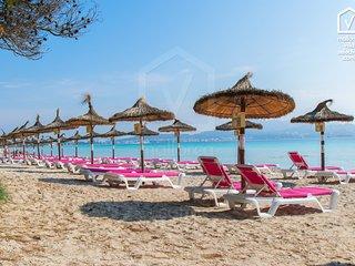 REUS :) Espaciosa casa para 8 personas en Playa de Muro. AC y WiFi gratis