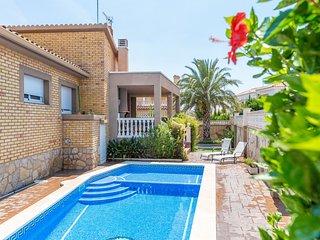 FLANDES Villa piscina jardin privado, Wifi gratis