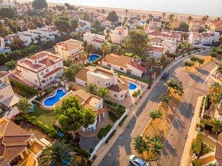 GALLO Gran villa en playa, piscina y wifi gratis