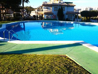 Costa Blanca South - 2 Bed 1st Floor Apartment / WiFi / A/C / Pool - Villamartin