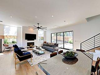Luxe 4BR w/ Rooftop Terrace – Near Zilker Park, Barton Springs & South Lamar
