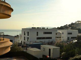 TONYINES 1 ¡Bonito apartamento con vistas al mar!