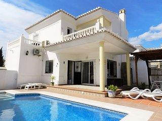 Villa de Lujo en Torrox Park con piscina privada