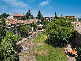 Villa Lionti - Apartment with Alcove in 17 century historic villa