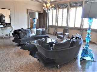 Ca' Erizzo luxury apartment close to Arsenale with amazing terrace