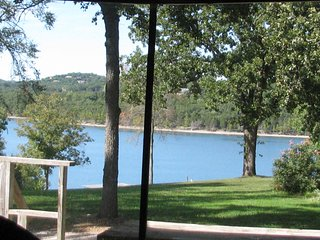Lake Cottage #14 - Green Valley Resort - Table Rock Lake - Branson Missouri
