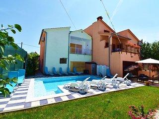 Apartments Mihatovic / Three bedroom A3
