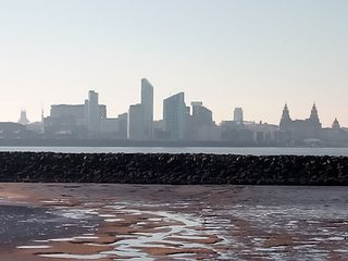 Guesthouse in the seaside close to Liverpool City Centre