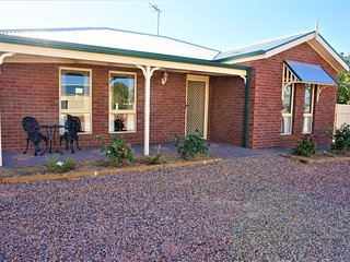 Summer Drive Country House with spa!!! A short 7 minutes drive to Mildura