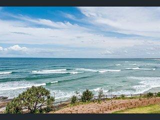 Caloundra beachfront unit with amazing ocean views