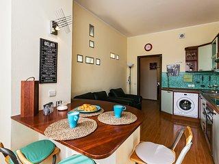 GorodM Large 1-bedroom apartment on Tsvetnoy Boulevard