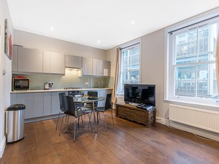 Modern 1 Bedroom Apartment in the heart of Soho