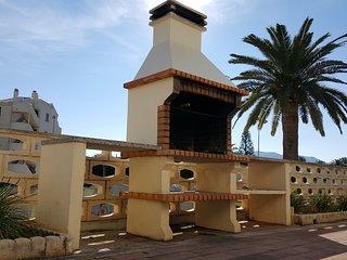"""Ricky""""s Village LA FELICIDAD: Apto junto a la mejor playa de las marinas"""