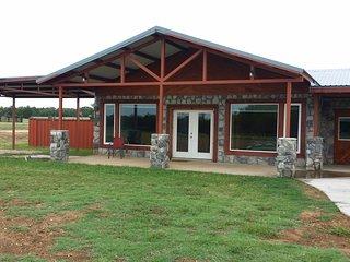 ROCK HOUSE RESORT, 2 Bdrm Home, Lake Texoma!