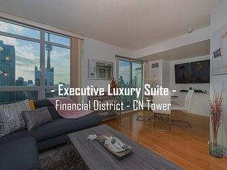 Luxury Suite in Heart of Downtown Toronto