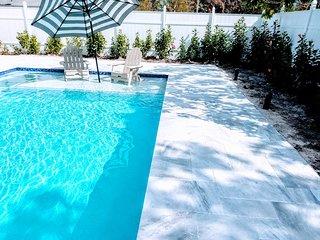 POSHPADZ Presents Hibiscus Villa Sleeps 6 - Huge Pool in Jupiter