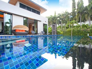4 BDR Mountain View Pool Villa in Gated Community near Nai Harn Beach