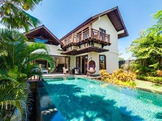 Ungasan Beach Villa Gita