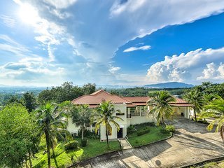 4 BDR Seaview Treasure Park Pool Villa 1 at Chalong