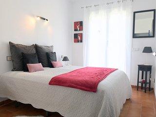 PES33- Apartamento con 3 dormitorios, parking privado y vistas al mar