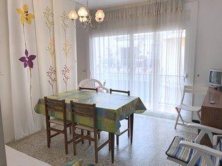 CO11-Apartamento 1 dormitorio situado en el centro de Roses con parking privado