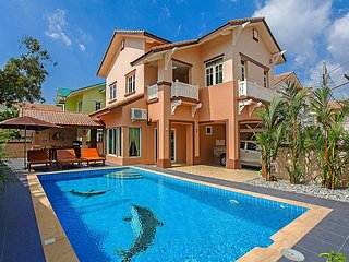 Check out this 3 Bedroom Villa Rental with Private Pool close to the Beach