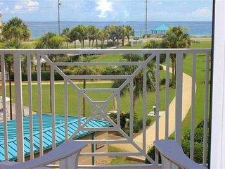 1 Minute Walk to Beach, Gorgeous Gulf Views, Community Pool, Grills & Tennis