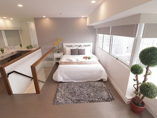 1BR BGC Bi-Level with Netflix & Cable