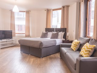 Spacious Executive Studio Liverpool City Centre
