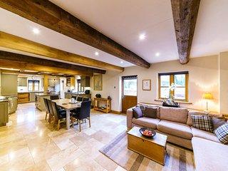 Sleeps 8, 5* Gold, Luxury Cottage