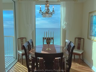 Floor to ceiling ocean view~3 private suites~upscale and quality~
