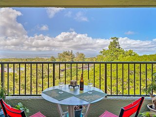 Hilo Condo w/Pool, Views & Lanai- Walk to Beaches!