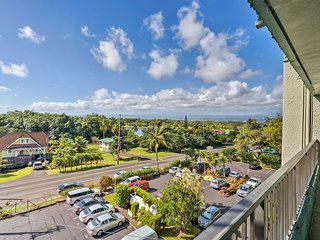 NEW-Hilo Condo w/Lanai, Pool & Views-Walk to Beach