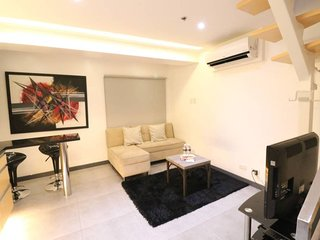 1BR BGC Cozy with Hotel Service and Personal Concierge