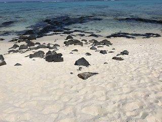 Sonnenaufgangstraum mit eigenem Strand und Rasen