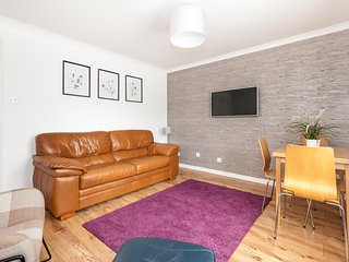 A City Centre  Modern 2 Bed Apt,Wi-Fi,Free Parking