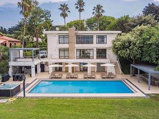 Villa Joli - Gorgeous and modern 7 bedroom villa