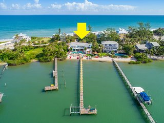 Aquarius:  Private beachfront 5BR/4BA home,  dock, heated pool + spa, & more!