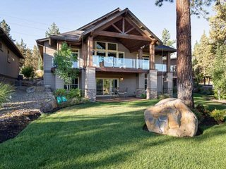 NEW! Celebrate Easter with your Family on Deschutes River in Old Mill.  Sleeps 8