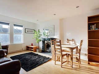 Bright 3 Bed Family Flat in Brixton w/Roof Terrace