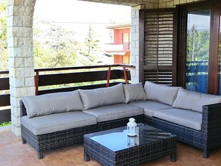 Silo Apartment Sleeps 6 with Air Con and WiFi - 5765923